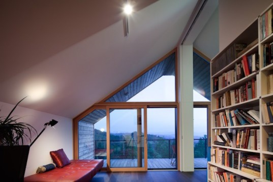 House SPI, Spado Architects, Alpine farmhouse, Austria, gable roof, larch, locally sourced larch, locally sourced materials, local materials, Carinthia, sunshades Görtschitz Valley