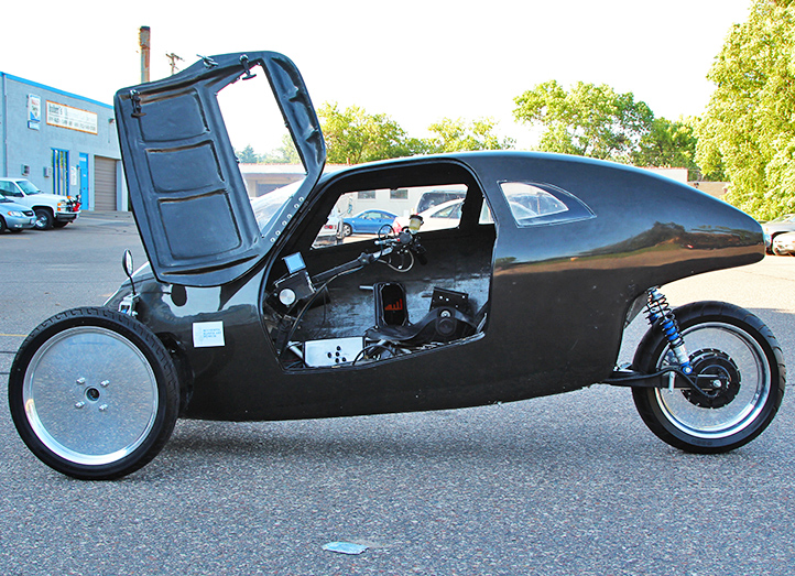 Pedal-powered Raht Racer cycle can travel as fast as a car