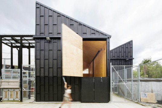 people and animals, Architecture For Dogs, Nest House, UID Architects, Giraffe House, Auckland Zoo, Monk Mackenzie, Glamuzina Patterson, Keio University, Co+Labo department,