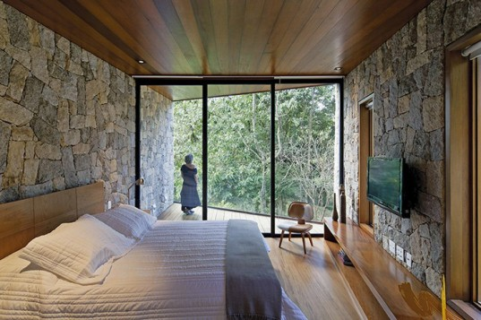 Architectare, Architectare Brazil, Achitectare Cave retreate, cave-inspired architecture, cave architecture, green architecture, nature inspired architecture, Brazil getaway, Brazil writer's cottage, writers escape, small homes, sustainable building