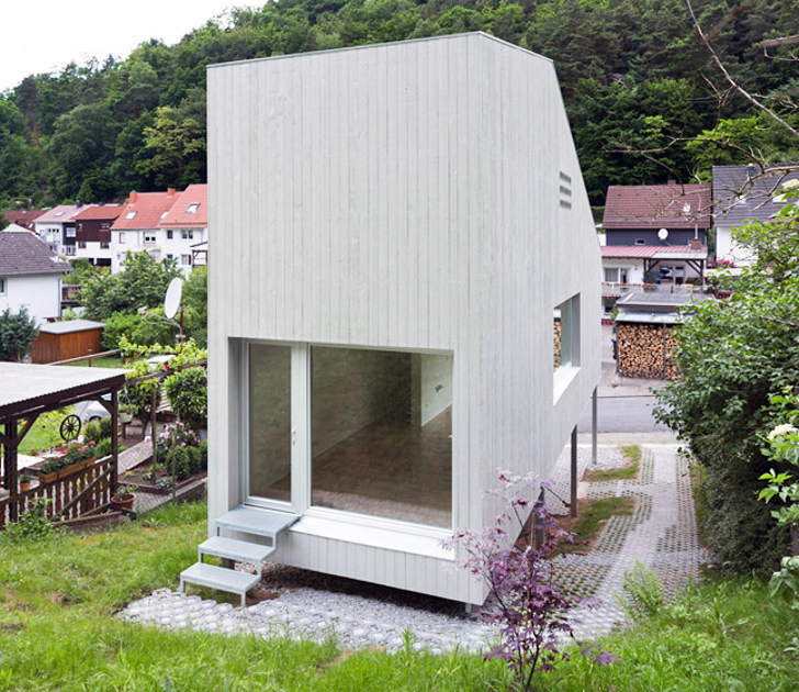 A small house by architekturburo scheder inhabitat for Tiny home architects