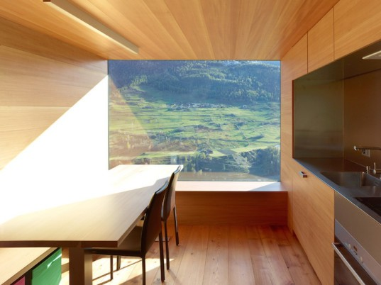 Swiss Alps, Boisset House, Savioz Fabrizzi Architectes, barn and stable, solar gain, renovation, Boisset House by Savioz Fabrizzi Architectes, Boisset Hous transformation, insulated glass, larch, larch-clad cabin, holiday home,