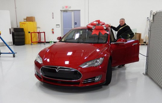 Green Car Reports Tesla Home Batteries The Mysterious Electric