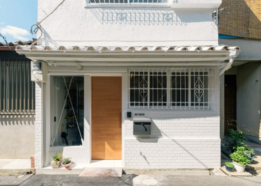 Kazuteru Matumura, Japan, green renovation, interior design, townhouse renovation, Japanese architects, curtains, flexible spaces, flexible walls, storage spaces, bicycle storage