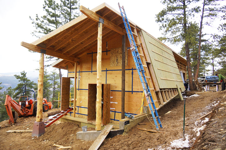how to build a house off the grid