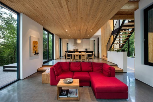 green design, eco design, sustainable design , la Chasse galerie, Thellend Fortin Architects, Laurentian forest, modernist home, timber clad home, glassy home