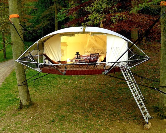 suspension-style cabin, treehouse tent, tent, Dom'Up, tree shelter, ultralight structures, resistant, temporary structure