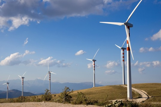 wind power, solar power, energy, green power, worldwide production, 44 percent, 5147 megawatts, swanson's law, capacity
