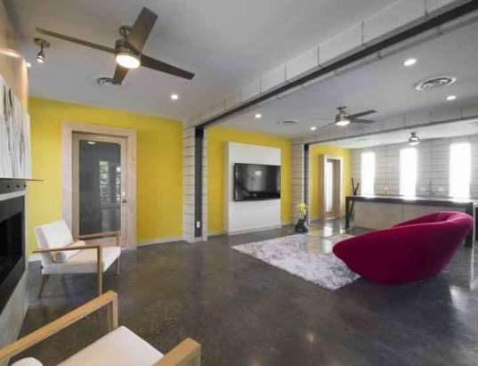 Sprawling dallas home is built from 14 shipping containers for Maison container orleans
