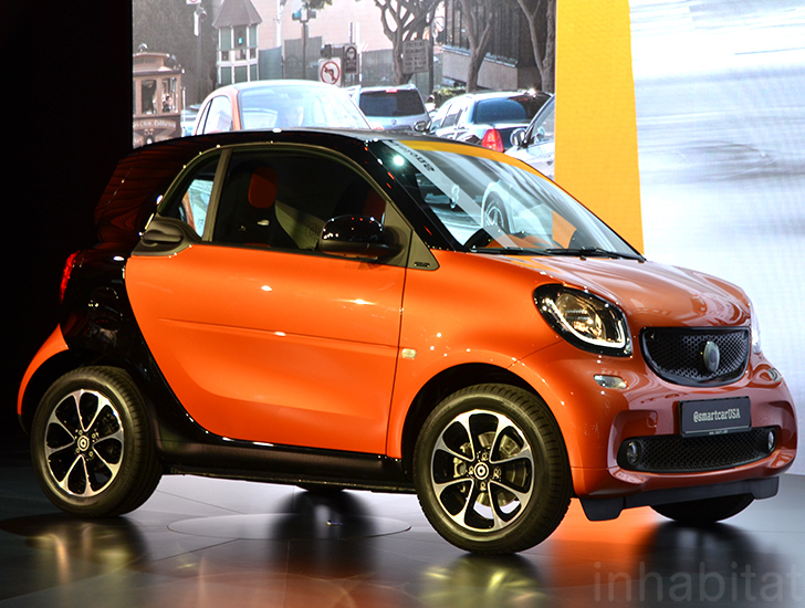 2016 smart fortwo is a tiny super smart city car with lots of legroom inhabitat green. Black Bedroom Furniture Sets. Home Design Ideas