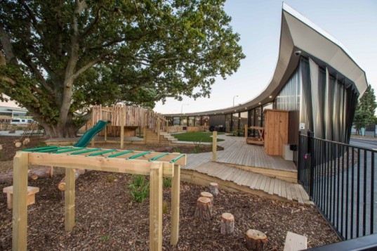 modern architecture, modern design, wooden walkways, childcare centers, daycare centers, natural light, chrysalis childcare centre, collingridge and smith architects, maori tradition, trees in architecture