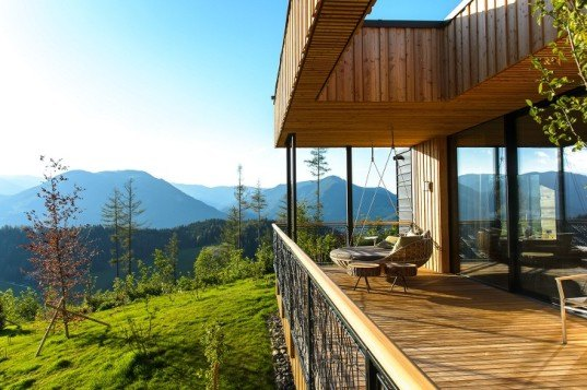 Viereck Architekten, mountain chalet, mountain cabin, Alps, timber architecture, wooden architecture, locally sourced wood, larch facade, geothermal energy, natural light