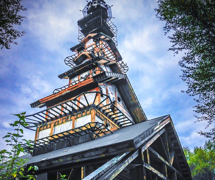 Great Oaks Apartments: Alaska's Dr. Seuss House Is A Whimsical Tower Made Of