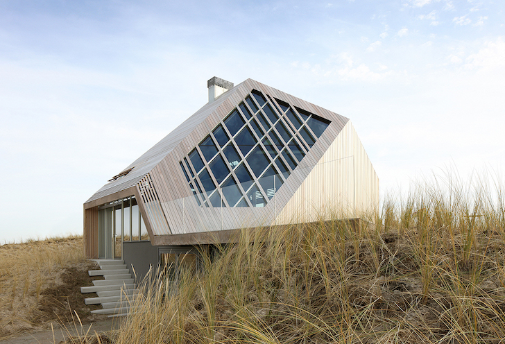 Gorgeous dune-inspired home uses bio-fuel to minimize its carbon footprint