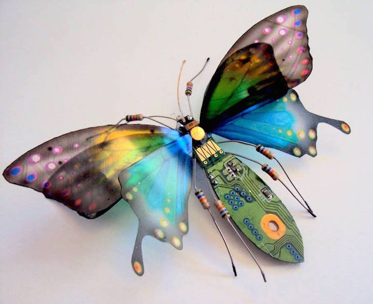 UK artist transforms salvaged circuit boards into gorgeous lifelike insects