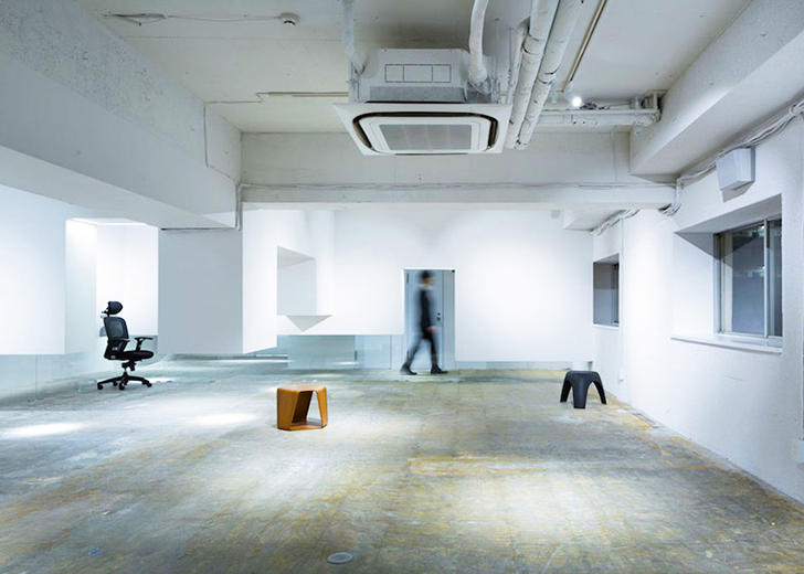Sasaki Architecture convert a former disco club into an office space with floating walls