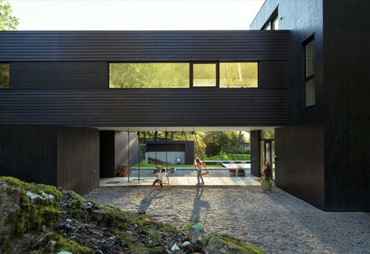 green design, eco design, sustainable design , Todd Saunders, Saunders Architects, Bergen Norway, cantilever house, Villa S, podium house