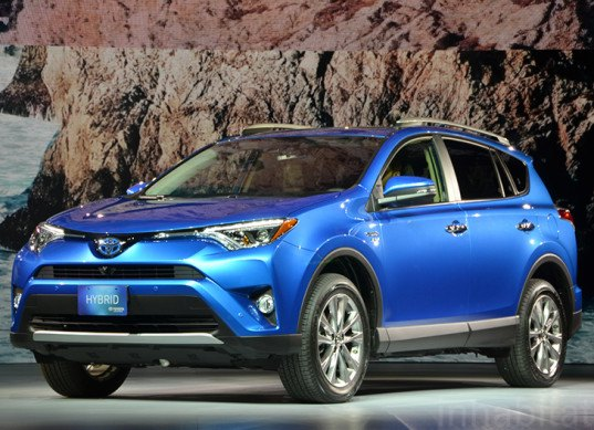 toyota debuts the 2016 rav4 s new hybrid powertrain design competitions. Black Bedroom Furniture Sets. Home Design Ideas