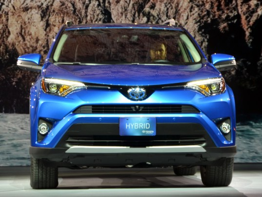 Toyota RAV4 Hybrid, Toyota, RAV4 Hybrid, hybrid, hybrid cars, green cars, sustainable transportation, NYIAS, NYIAS 2015, new york international auto show, 2015 new york auto show, green transportation, hybrid vehicles
