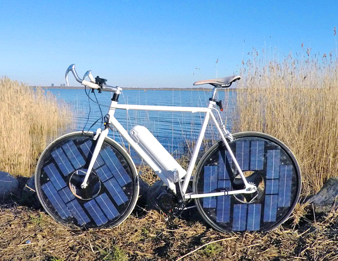this solar powered e bike has a top speed of 30 mph. Black Bedroom Furniture Sets. Home Design Ideas