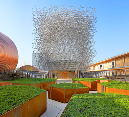 2015 milan expo, milan expo, uk pavilion, wolfgang buttress, beehive-inspired, bee inspired structure, bee inspired building, uk design, british design, importance of bees, importance of pollinators, led lighting, beehive-controlled lights, bee controlled lights, bee controlled leds