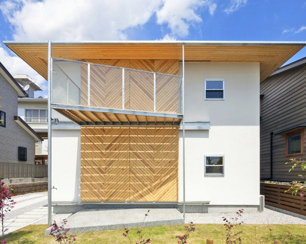 hybrid wooden house, glulam, glued laminated timber, architecture studio nolla, yosuke harigane, japan, japanese house, natural disaster protection, weather resistant home