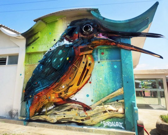 Bordalo II, trash animal sculptures, recycled art, urban art, animal street art, new art technique, trash collage, Portugal, Lisbon,