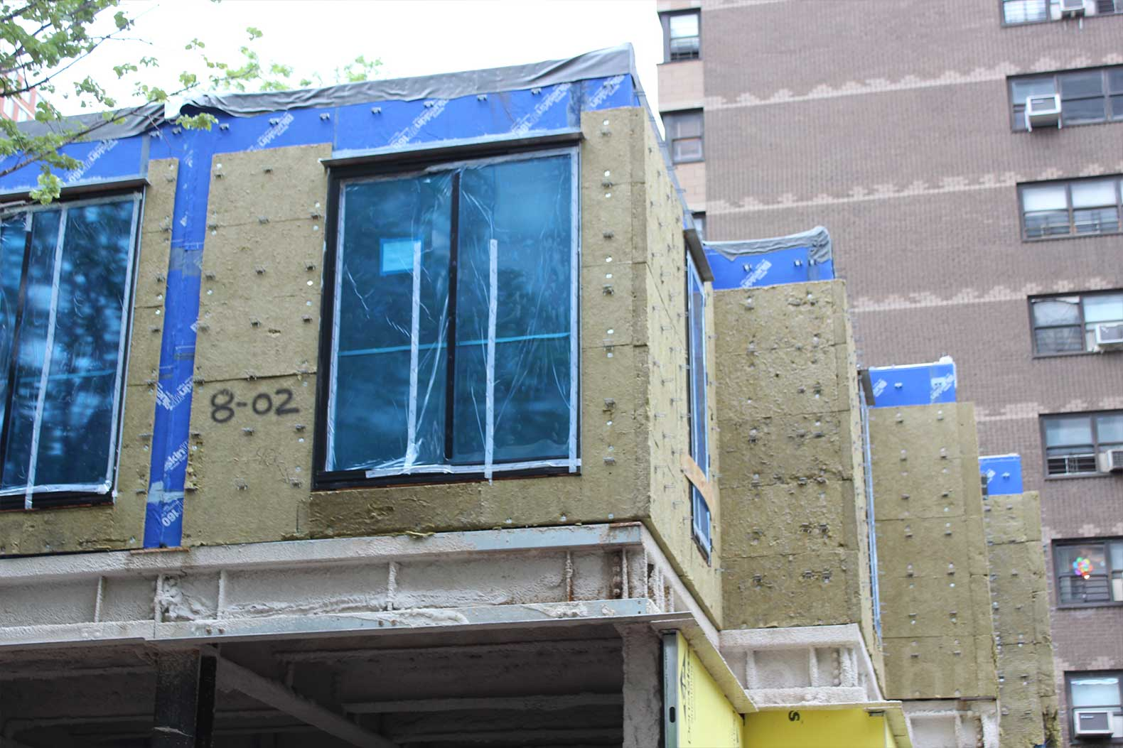 NYC's first prefab micro-unit apartment building starts to rise in Manhattan (PHOTOS)