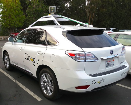 google self-driving cars accidents, google self-driving cars involved in 11 accidents, self-driving cars not at fault, are self-driving cars safe, safety of self-driving cars