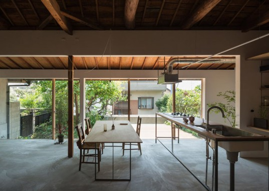 Tato Architects, Japan, Japanese architecture, traditional architecture, small spaces, open-plan layout, glass walls, wooden deck, green renovation