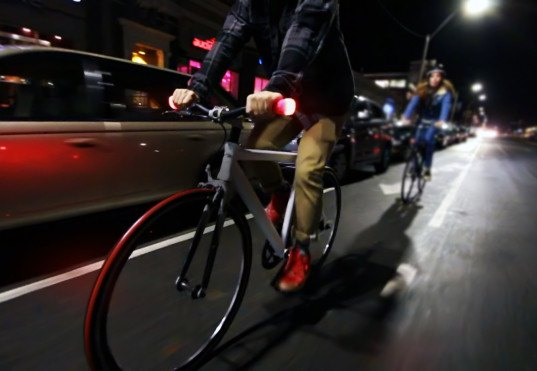 HueRay! helps protect bikers from the side with rechargeable grip lights