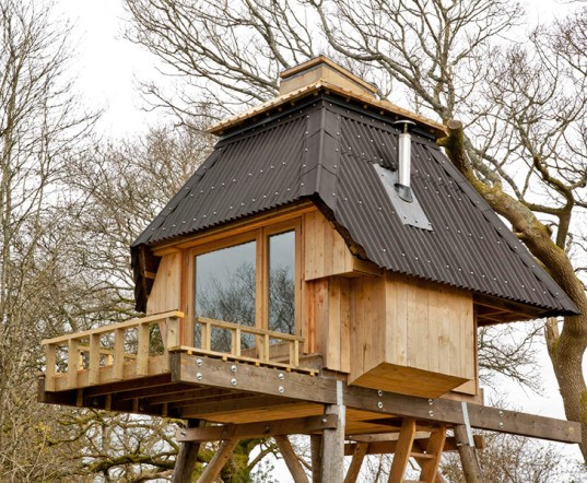 Hut on Stilts, Nozomi Nakabayashi, Japanese architects, treehouse, wooden architecture, locally-sourced materials, cork, prefab housing, prefab, green architecture, tiny homes, micro house