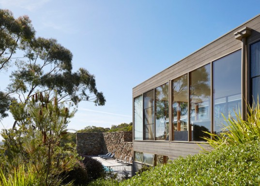 vernacular architecture, rock fence, drystone wall, Melbourne, Australia, b.e. architecture, natural light, natural materials, green design, sustainable design
