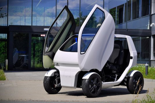 electric car, electric cars, eo smart connecting car, eoscc2, eo smart car, eo 2, sideways driving, crab-like car, connecting car, cars connecting in a train, public transit alternatives, german car design, german technology, german engineering, robotic car, flexible car