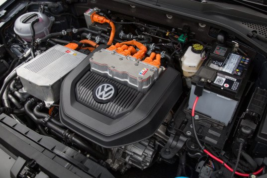 VW, Volkswagen, VW e-Golf, VW e-Up, VW Golf GTE, e-golf, electric car, lithium-ion battery, green car, battery technology, electric car, range anxiety, green car, green transportation