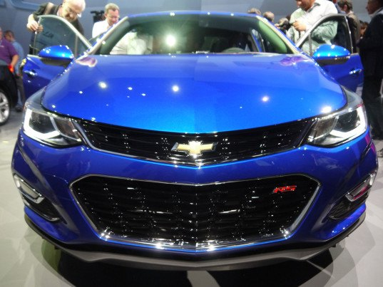 2016 Chevy Cruze, Chevrolet, new Chevy cars for 2016, high-efficiency vehicles, Ecotec 1.4L turbo engine, Hydra-Matic 6T35 six-speed automatic transmission, Apple CarPlay, Android Auto, OnStar 4G LTE Wi-Fi, Chevy Cruze, GM cars, compact sedan, Ecotec engine, high-efficiency engine, MPG, green cars, green transportation, green design