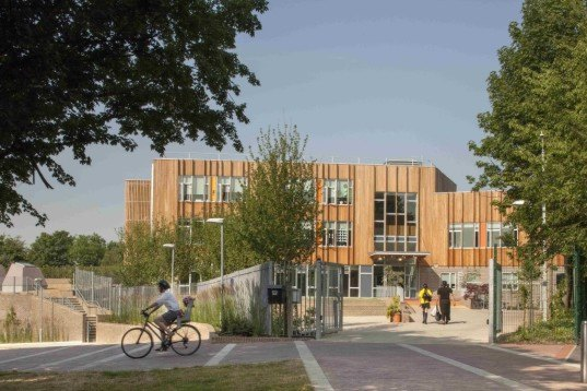 Ashmount Primary School, Penoyre & Prasad, Ashmount Primary School by Penoyre & Prasad, 2015 RIBA winner, brownfield, heat recovery, FSC certified timber, low VOC, high levels insulation, carbon negative, carbon negative school, BREEAM, BREEAM Outstanding, BREEAM Outstanding school, London,