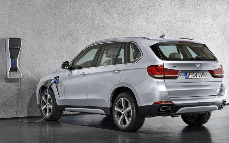 Is Bmw Planning An All Electric Suv To Rival The Tesla Model X