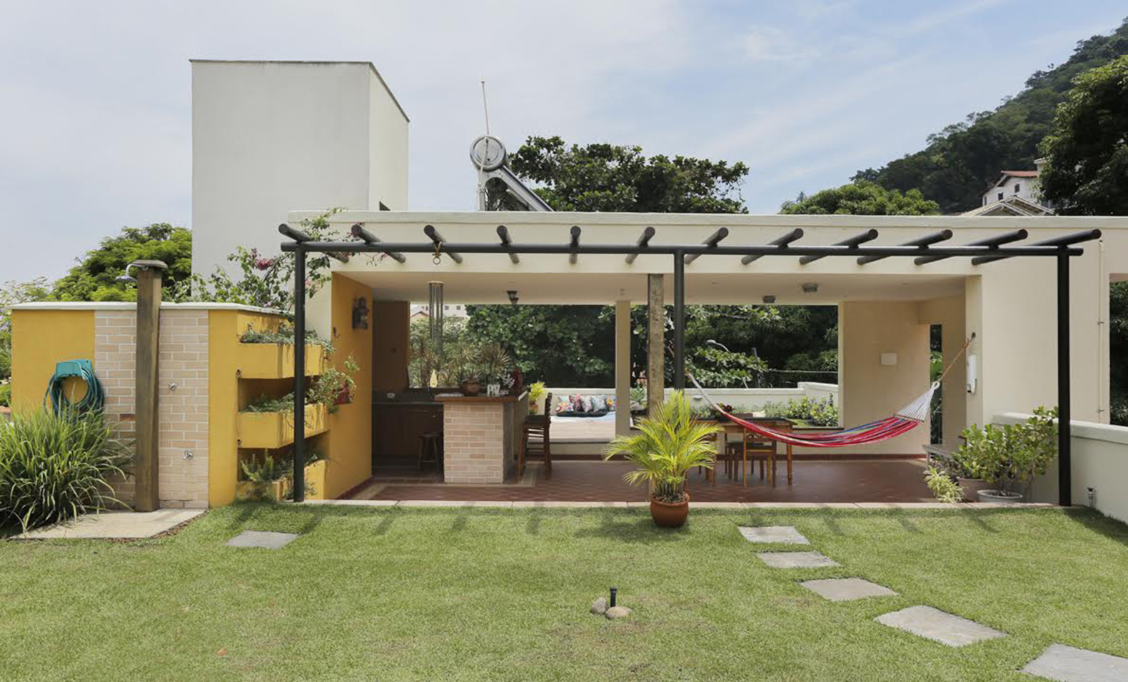 camille kurowskys green roof house is a rustic leisure home in brazil