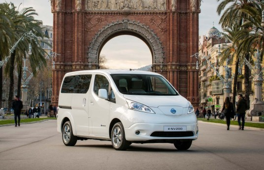 Nissan, Nissan e-NV200, e-NV200, Nissan electric vehicle, electric vehicle, Nissan Leaf, electric motor, green car, lithium-ion battery, green transportation
