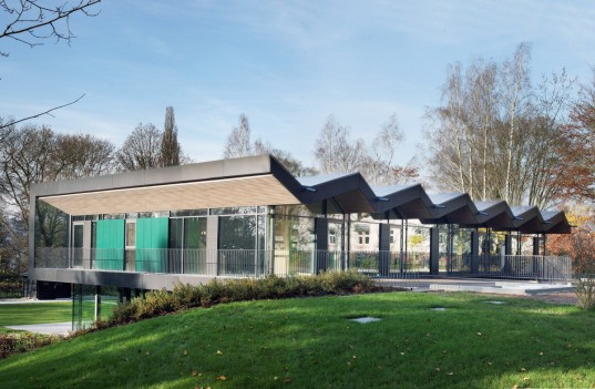 green design, eco design, sustainable design, Philipps University Marberg, Opus Architekten, saw tooth roof, wooden roof, solar panels, Nursery + E, modern architecture