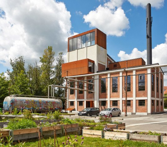 schmidt hammer lassen, denmark, vejle, design driven innovation centre, boiler central, spinning mills, renovation, refurbished historic building, renovated brick building, old boiler buildings, 1940s architecture