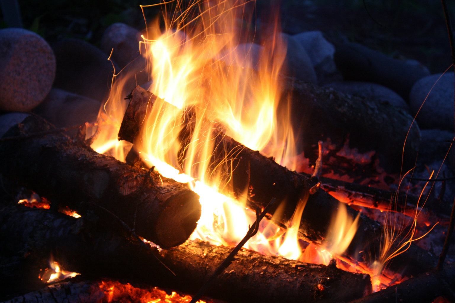 How to build the perfect fire, according to a Duke University engineer