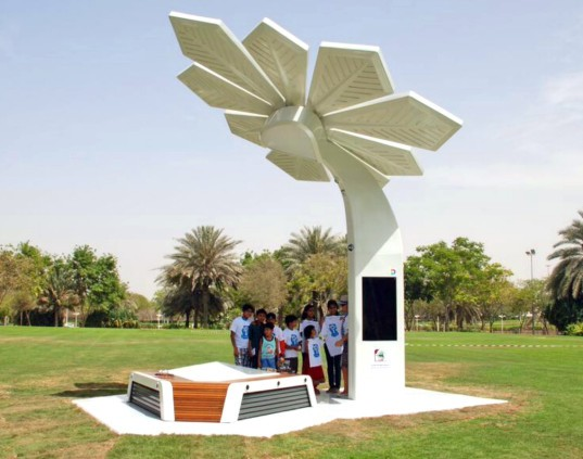 Solar Smart Palms, Al Mamzar beach, solar power, dubai, sustainable design, dubai solar power, solar power installations, solar trees beach, 103 Smart Palms on dubai beach, solar power design, solar palm trees, Jumeirah beach smart palms, green design, renewable energy,