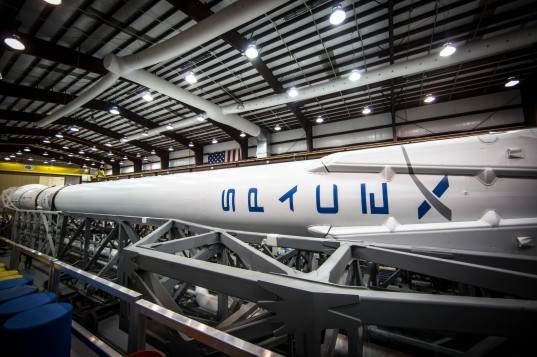 spacex, elon musk, internet-beaming satellites, downlink satellites, google project loon, facebook internet-beaming drone