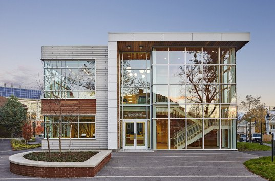 green design, eco design, sustainable design, Spagnolo Gisness & Associates, Schacht Center for Health and Wellness, Smith College, mental health center, glass facade