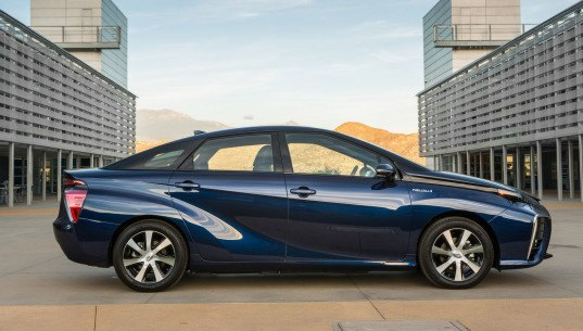 Toyota, Toyota Mirai, fuel cell vehicle, Toyota fuel cell vehicle, hydrogen, hydrogen-powered vehicle, green car, green transporation, electric car, electric vehicle, zero-emissions