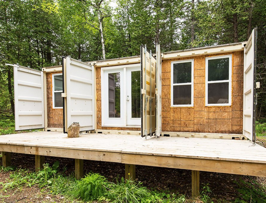 a canadian man built this off grid shipping container home for just 20000
