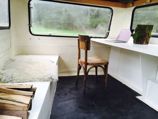 mobile micro office, micro office, micro office campsite, mobile office, amsterdam micro office, kantoor karavaan, work in the woods, office in the woods, sustainsville, campsite office