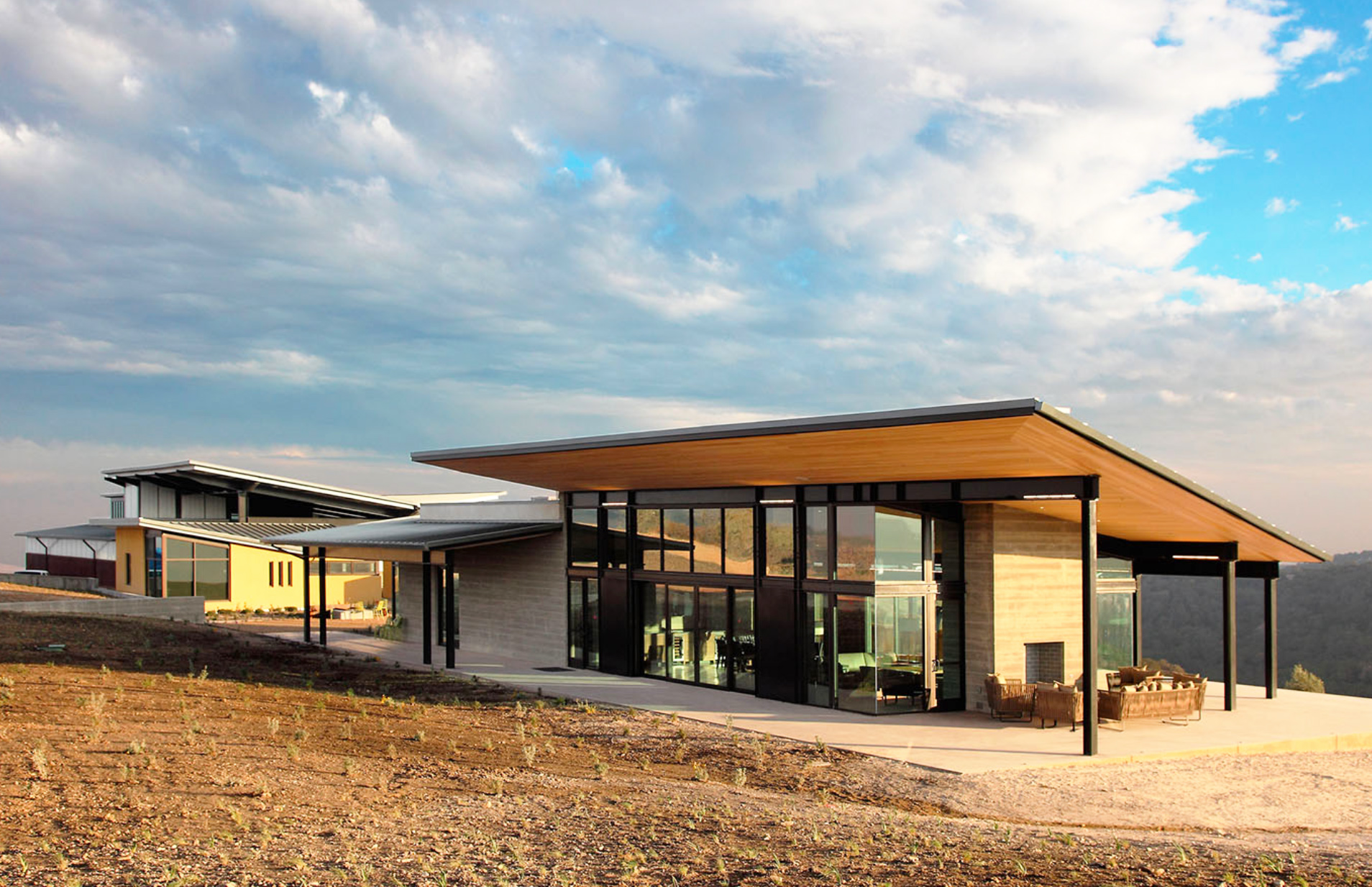 BAR Architects\' Law Winery blends seamlessly into the Paso Robles ...